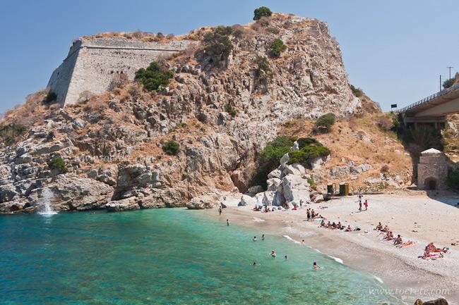 пляжи Крита Палеокастро