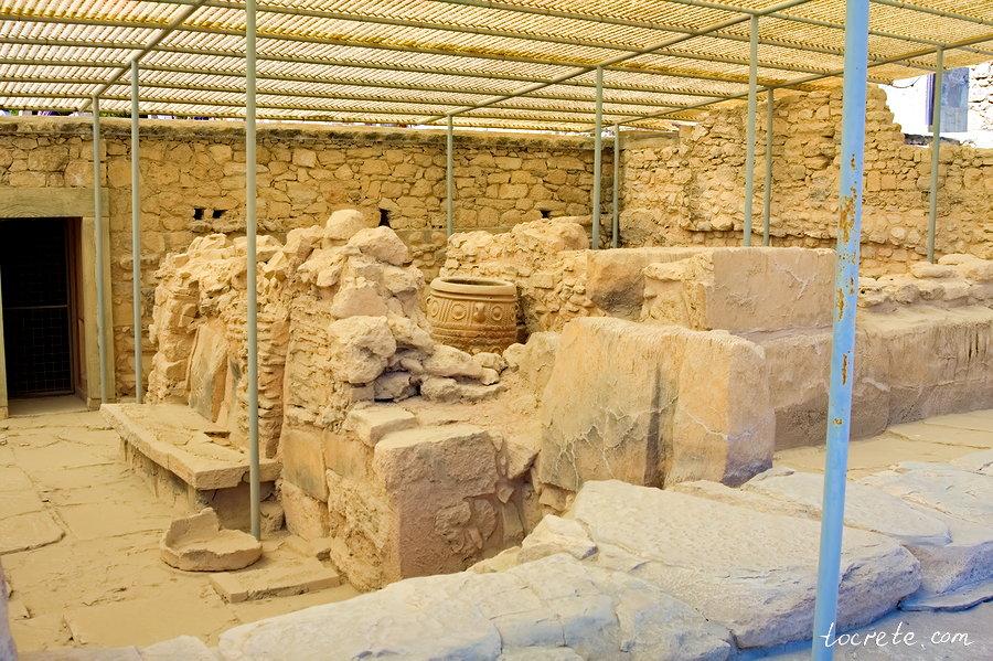 Трехчастное Святилище. Минойский дворец в Кноссе